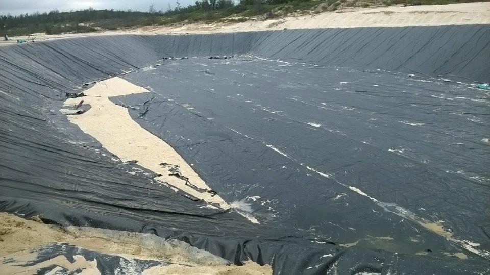 Bạt lót hồ chứa nước nuôi cá bình phước, bạt nhựa HDPE lót bờ ao bình phước giá rẻ